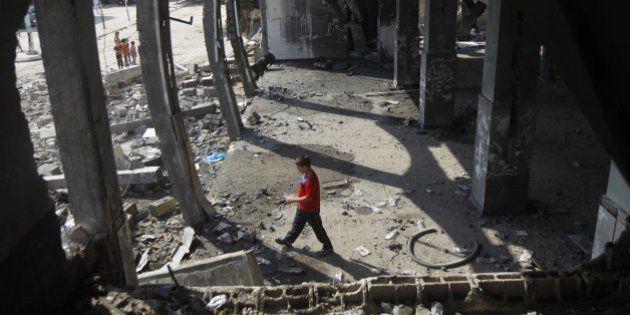 Israel bombardea el edificio de la agencia AP y la televisión Al Yazira en