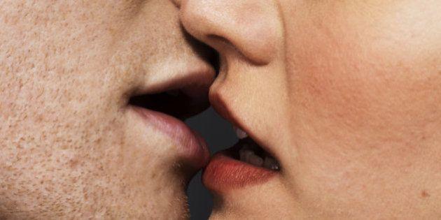 ¿Por qué se besa la