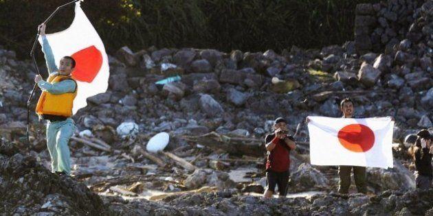 Activistas japoneses desembarcan en las islas Senkaku, que reclama