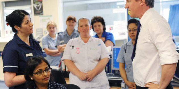 Los médicos británicos, en huelga por primera vez en 40