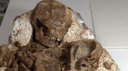 Descubren una momia de 4800 años acunando a su