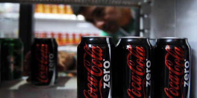 Coca-Cola deja de producir en Venezuela por falta de