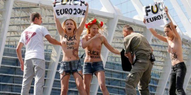 Tres activistas ucranianas, detenidas por protestar desnudas contra la prostitución en la Eurocopa