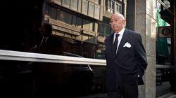 Inaudito: un banquero se va pidiendo