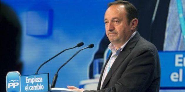 Pedro Sanz renuncia a presidir La Rioja por la presión de