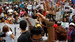 Los indignados mexicanos, guardianes de las