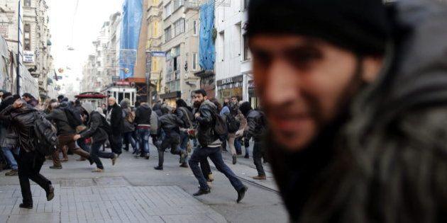 Escándalo de corrupción en Turquía: dimiten los ministros de Economía, Interior y
