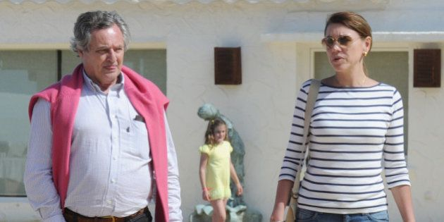 El PSOE pide explicaciones a Cospedal por el contrato de su marido en