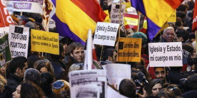 Unas 2.000 personas se concentran en Bruselas contra la nueva ley del