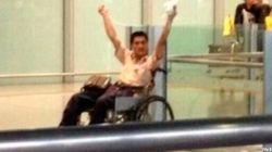 Un hombre hace estallar un explosivo en el aeropuerto de
