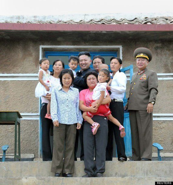 Kim Jong-Un: foto de familia ¿feliz?