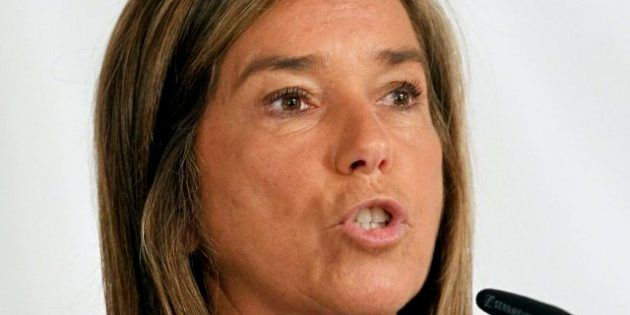 Ana Mato corrige a Aguirre y asegura que se mantendrá la ley
