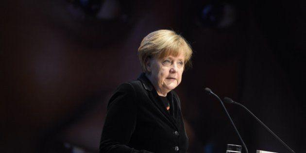 Merkel avisa a Grecia: no habrá quita de la deuda y exige más