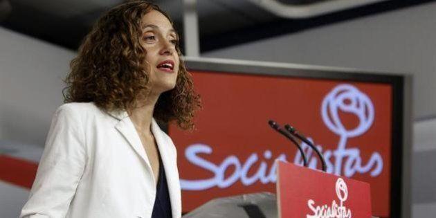 El PSOE reprocha a Podemos que esconda sus siglas en las