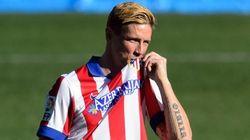 Fernando Torres vuelve a vestir de rojiblanco ante 40.000 aficionados