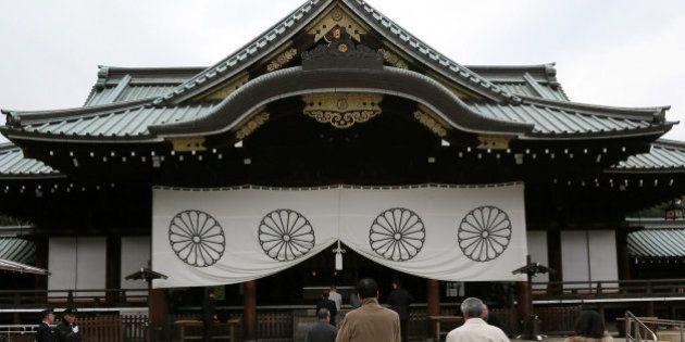 La visita de Japón a un polémico santuario militar desata las críticas de China y
