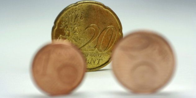 El Gobierno congelará el salario mínimo en 2014 en 645,30 euros