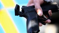 Ataca al presidente checo... con una pistola de plástico