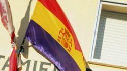Una alcaldesa socialista de Salamanca iza la bandera