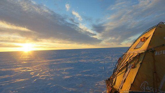 El Trineo de Viento cruza lagos en el desierto de hielo de