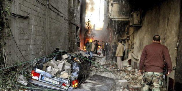 Mueren al menos 34 personas por la explosión de dos coches bomba en