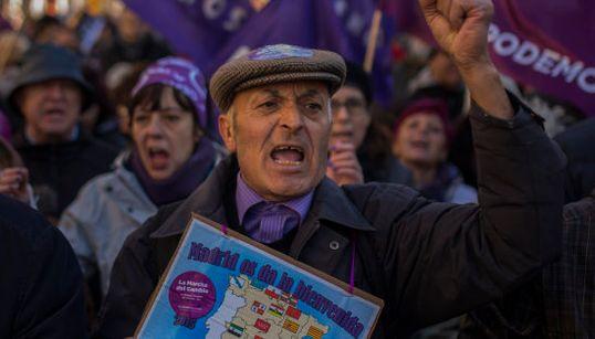 Jóvenes, mayores... Las caras de la manifestación