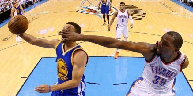 Los históricos Warriors de Curry están al borde del