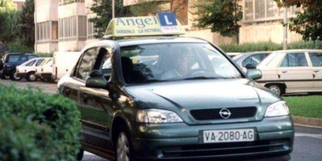 Sacarse el carné de conducir cuesta de media 740 euros, un 10% menos que el año