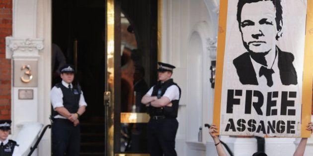 Julian Assange sufre una