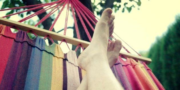 Descansar en la terraza: hamacas, tumbonas y columpios para