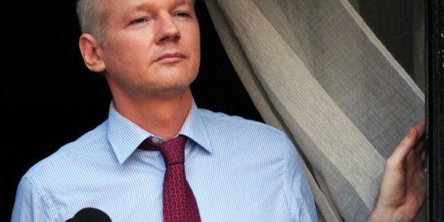 Julian Assange repasa los documentos de WikiLeaks que hicieron temblar a