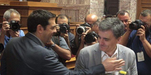 El Parlamento griego aprueba por mayoría la propuesta del Gobierno de Tsipras para solicitar el