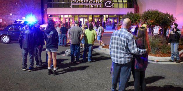 Abatido un hombre que ha herido a ocho personas con un cuchillo en un centro comercial de