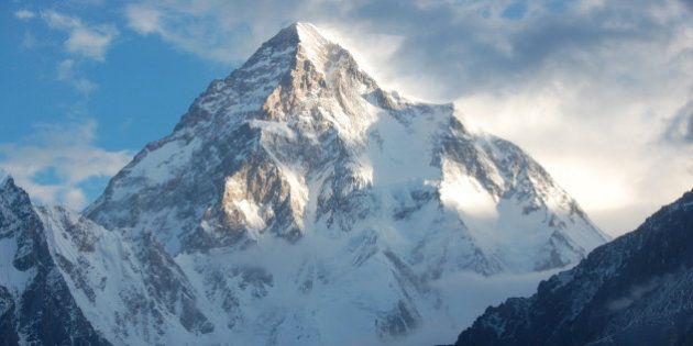 Muere el alpinista español Miguel Ángel Pérez tras hacer cumbre en el