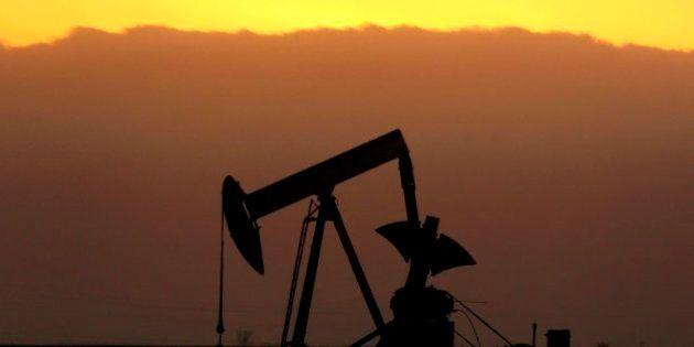 El petróleo Brent baja de 50 dólares por primera vez desde mayo de