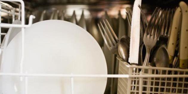 Mantén a raya tu lavavajillas y evita que acumule malos
