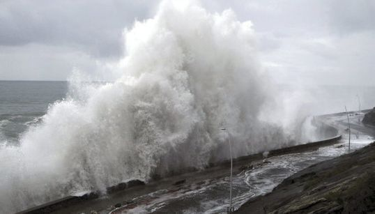 9 fotos impresionantes del temporal de olas en el