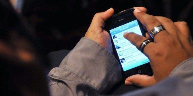 Un joven se enfrenta a siete años de cárcel por espiar el móvil de su