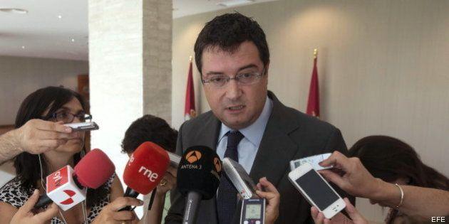 El PSOE exige la dimisión de Rajoy y se reserva la opción de una moción de