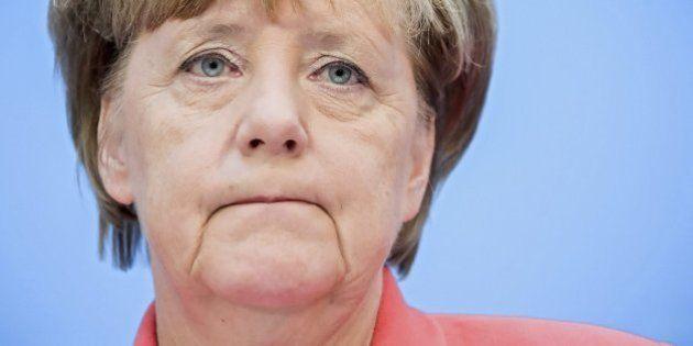 Merkel asume la responsabilidad en el revés electoral en comicios de