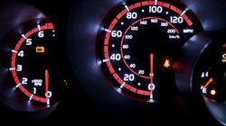 La gasolina, por las