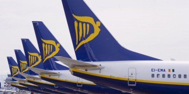 Ryanair regalará a sus clientes un billete de ida y vuelta por cada doce vuelos