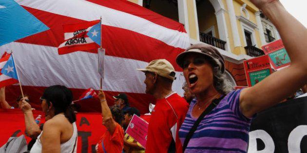 Puerto Rico anuncia el primer impago masivo de deuda de su