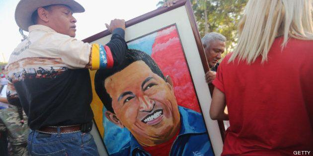 Hugo Chávez gana el premio nacional de periodismo en Venezuela 2013