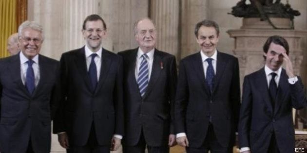 El rey se reúne en secreto con González, Aznar y