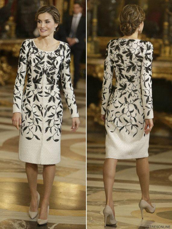 El vestido de Letizia en el desfile de la Fiesta Nacional, criticado por ser igual que un Oscar de la