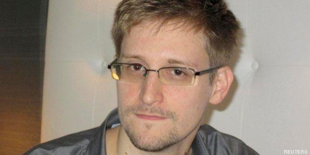 Edward Snowden busca asilo en