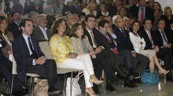 Santamaría y Soria, espectadores de la conferencia de