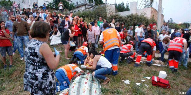 Gestos de solidaridad en el accidente de tren en Santiago