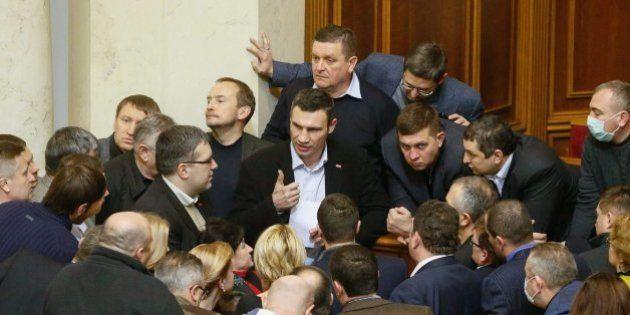 El Gobierno ucraniano aprueba una amnistía con condiciones para los